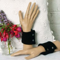 Black 100% Soft Cashmere Wrist Warmers
