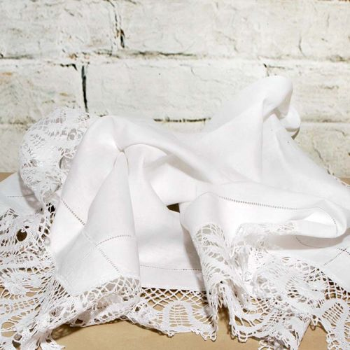 Beautiful Cotton and Lace Square Table Cloth