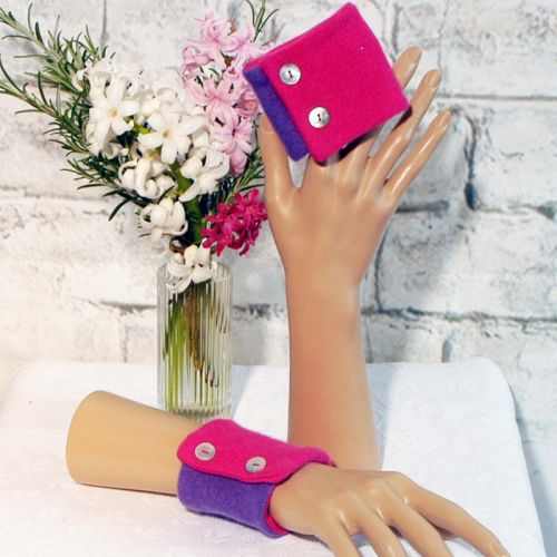 Two Tone Cerise and Purple Wrist Warmers in Cashmere